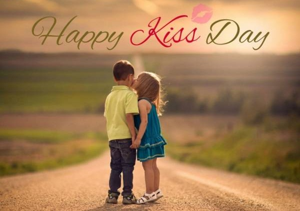Happy Kiss Day 2020 new lovely couple kissing images